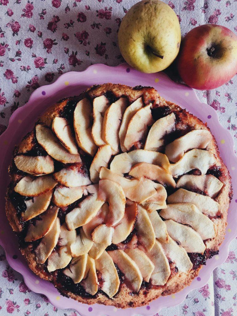 Crostata di mele e ciliegie